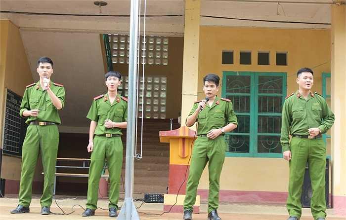 Chuyến thiện nguyện diễn ra tại xã Tam Văn - Lang Chánh - Thanh Hóa với chủ đề 'Tuổi trẻ Học viện Cảnh sát Nhân dân hướng tới vùng cao'.
