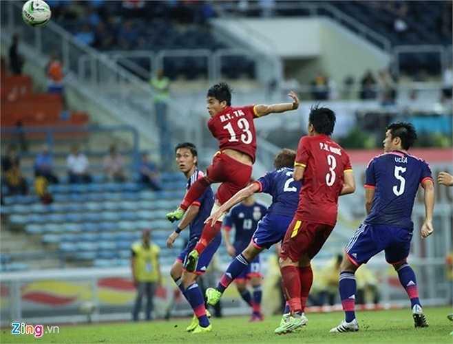 U23 Việt Nam lẽ ra đã có bàn gỡ ngay trong hiệp 1 nếu như Tấn Tài dứt điểm chính xác