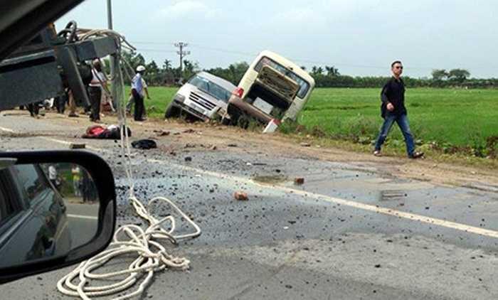 Theo thông tin ban đầu, vụ tai nạn khiến 5 người tử vong (Minh Chiến)