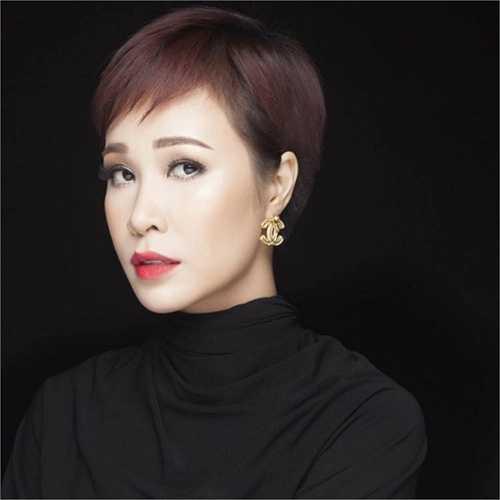 Uyên Linh xinh đẹp trong một shoot hình mới.
