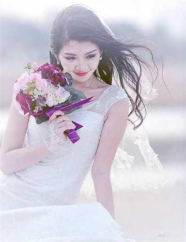 Nhiều thí sinh đã thể hiện được vẻ đẹp trong trắng, tinh khôi của người thiếu nữ Hà Thành