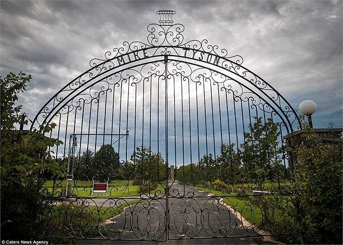 Đây là căn biệt thự Mike Tyson đã sống những năm 80-90 của thế kỷ trước. Căn biệt thự nằm ở Southington, Ohio, Mỹ