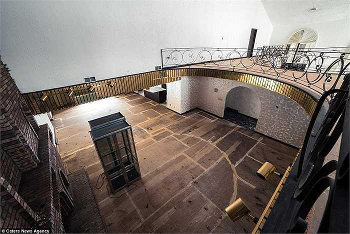 Căn biệt thự có bể bơi với diện tích lớn hơn cả một căn nhà bình thường