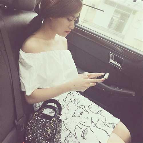 Hoàng Thùy Linh ngày càng xinh đẹp, thành công trong sự nghiệp.