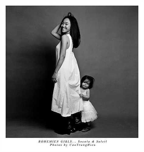 Đoan Trang và cô con gái bé nhỏ trong một bức ảnh ấn tượng.