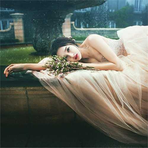 Bảo Anh đẹp như một nàng công chúa trong những shoot hình mới.