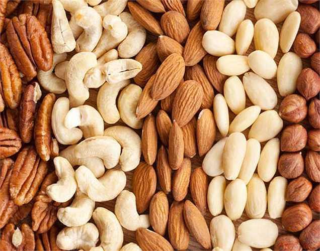 Quả hạch: rất hữu ích trong việc giảm các bệnh về tim, nó giàu axit béo không bão hòa,  giúp giảm cholesterol lắng đọng trong mạch máu và làm tăng lưu lượng máu đến tim.