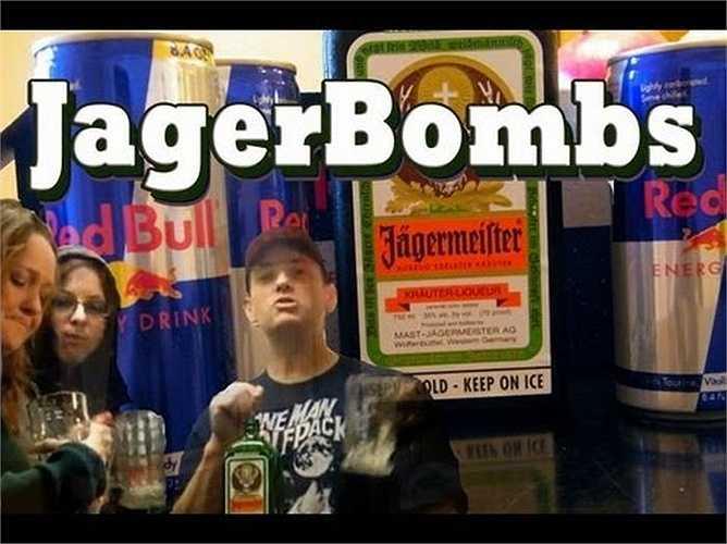 Jaeger bom: Bạn không còn là sinh viên ở trường đại học nữa, hãy ngừng ngay việc gọi loại nước uống này bởi phái nữ không thích người đàn ông của mình uống Jaeger pha với Redbull.