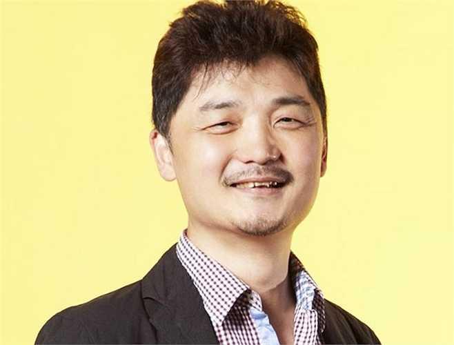 6. Kim Beom-su (tài sản: 2,9 tỷ USD) là người trưởng thành từ trong đói khổ. Hôm nay, ông trở nên giàu có nhờ KakaoTalk, một ứng dụng nhắn tin đa nền tảng cho phép người dùng Android, iPhone và BlackBerry gửi và nhận tin nhắn miễn phí.