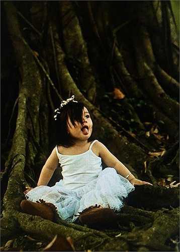 Công chúa nhỏ ngộ nghĩnh qua ống kính của cậu ruột Cao Trung Hiếu.