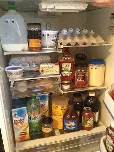 Các đồ trong tủ lạnh bỗng dưng có hồn hơn