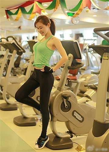 Nhiều năm rèn luyện giúp trình độ của Thịnh Tuyết tiến bộ nhanh chóng. Tuy nhiên, vì luôn bận rộn với các chuyến bay, cô chỉ tham gia câu lạc bộ Muay Thái với mục đích rèn luyện sức khỏe, ý chí chứ không tham gia thi đấu.