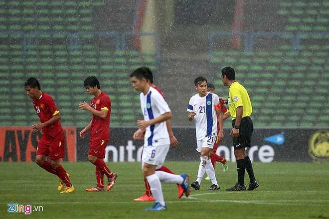 Đây có thể là cách nói ngoại giao của HLV người Nhật bởi khi trận đấu bị tạm ngưng, U23 Việt Nam đã dẫn đối thủ 2-0 chỉ sau 5 phút khai cuộc.