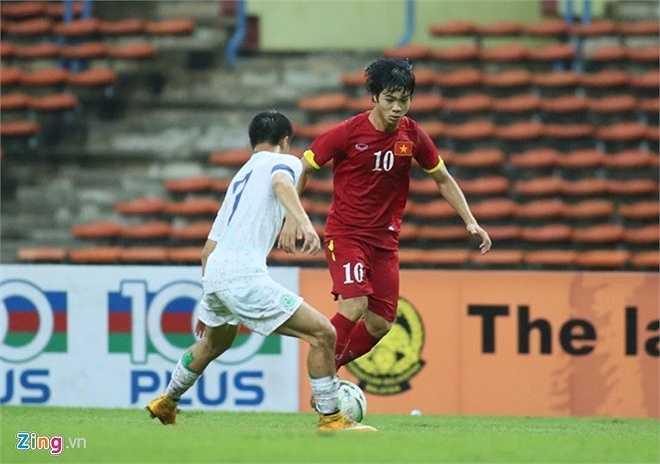Hàng thủ U23 Macau không thể đứng vững trước áp lực này