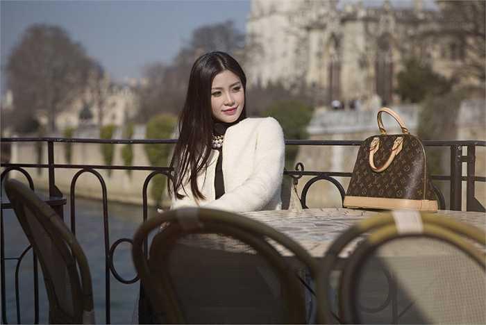 Thời gian ở Pháp, Diễm Trang phối hợp cùng ê-kip thực hiện bộ ảnh mới.