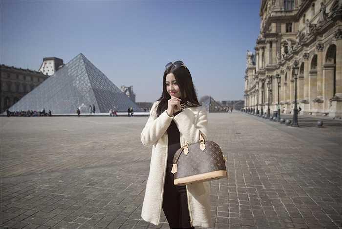 Cô vừa được chọn là một trong những thanh niên tiêu biểu cùng đoàn đại biểu cấp cao tham dự Giao lưu văn hoá Việt-Trung tại Trung Quốc vào đầu tháng 4. Kế hoạch sắp tới của Diễm Trang là đẩy mạnh hơn nữa sự nghiệp MC - diễn viên chuyên nghiệp.