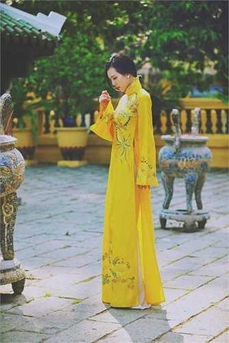Dạ tiệc thời trang đại nhạc hội 'Tình yêu và Ký ức' sẽ chia làm 2 phần. Phần 1, các ca sỹ sẽ thể hiện những tình khúc bất hủ của nhạc sỹ Phú Quang.