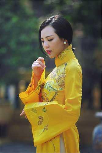Phần 2, các ca sỹ Hồng Nhung, Tấn Minh, Hương Tràm, Pha Lê sẽ hát những ca khúc làm nên tên tuổi của mình và hát theo yêu cầu khán giả với nhiều thể loại nhạc của nhiều nhạc sỹ nổi tiếng của Việt Nam.