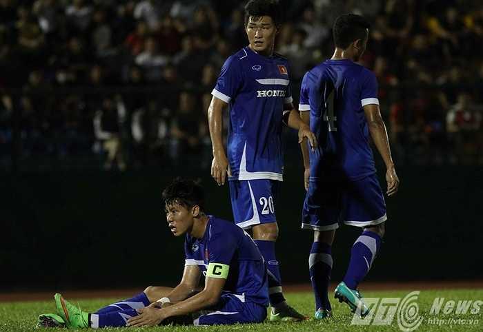 Khi mà vòng loại U23 châu Á và trận giao hữu với U23 Thái Lan đã cận kề, thầy trò HLV Miura vẫn khiến người hâm mộ lo lắng vì chưa xác định được bộ khung chính thức (Ảnh: Quang Minh)