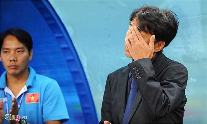Thua 0-2 U23 Nhật Bản, HLV Miura lo lắng khi U23 Việt Nam tụt xuống thứ 9 trong cuộc đua 5 đội nhì bảng có thành tích tốt nhất để giành vé tới Qatar dự VCK U23 châu Á 2016. (Zing.vn)