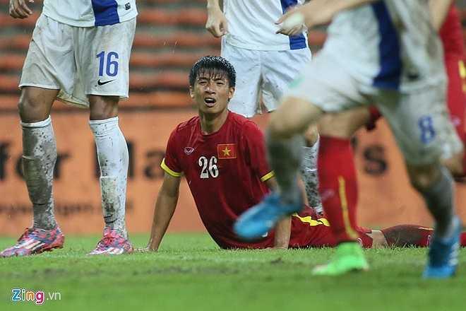 U23 Việt Nam quyết tâm giành chiến thắng đậm trước U23 Macau để có chỉ số tốt trong cuộc đua 5 suất nhì bảng. Toàn đội đã nỗ lực hết mình trong trận 'thuỷ chiến' trên SVĐ Shah Alam. (Zing.vn)