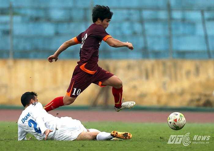 Cầu thủ đáng chú ý nhất U23 Việt Nam, Công Phượng cũng lập công dù chỉ vào sân từ ghế dự bị (Ảnh: Quang Minh)