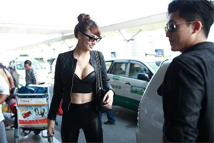 Cô là một trong số những người mẫu có gu thời trang tương đối ổn của showbiz Việt.