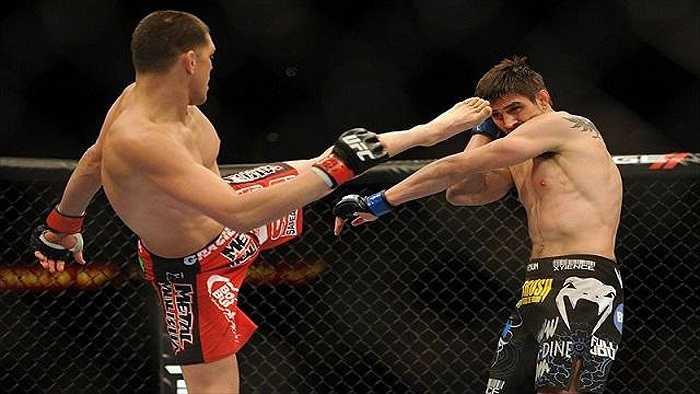 Với độ ảnh hưởng truyền thông rộng lớn, UFC luôn khôn khéo điều chỉnh luật MMA cho phù hợp với đại chúng.