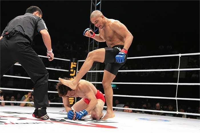 ...người ta nhận ra rằng phong cách võ thuật thành công nhất đó là tổng hợp và kết hợp thành công được mọi kĩ năng võ thuật.