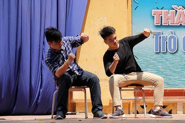 Tô Đức Trung gây ấn tượng với khả năng đàn, hát rap, nhảy cực đỉnh
