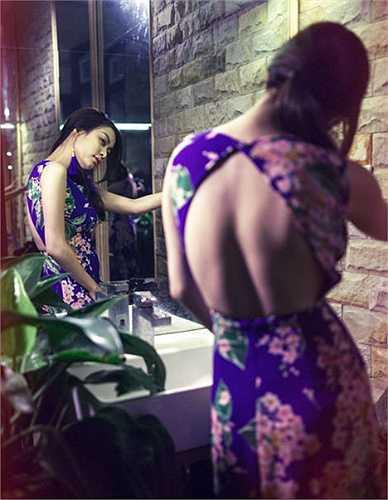 Sau 3 năm hoàn toàn vắng bóng trong dòng chảy showbiz, đến năm 2010, Hoàng Thùy Linh bất ngờ xuất hiện trên một sân khấu âm nhạc. Ngay lập tức, tên tuổi của rần rần xuất hiện trở lại trên các mặt báo.