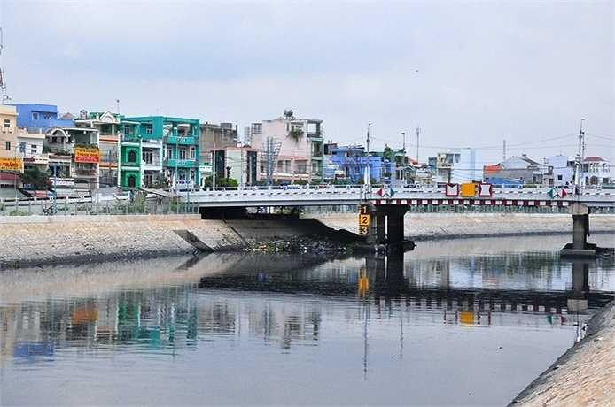 Hình ảnh trên kênh Tân Hóa - Lò Gốm ở TP.HCM.