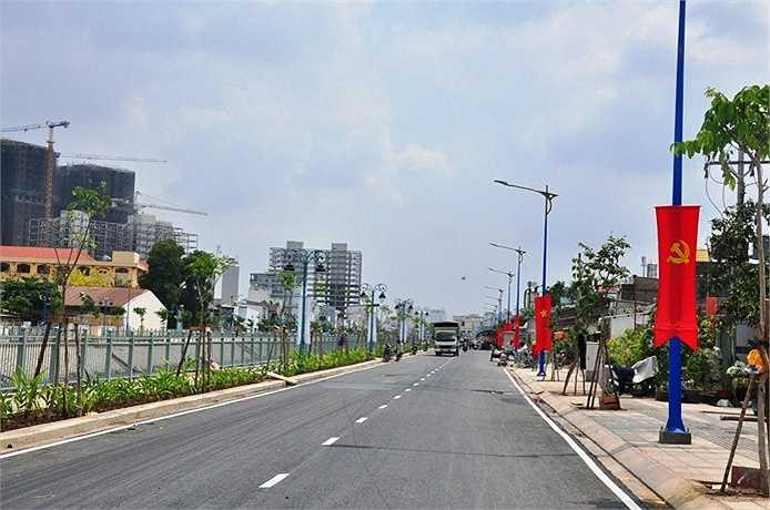 Quang cảnh đường ven kênh Tân Hóa - Lò Gốm, TP.HCM