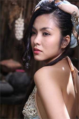 Khuôn mặt của nữ diễn viên đẹp ở mọi góc nhìn.