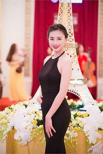 'Đả nữ' Ngô Thanh Vân cũng có một khuôn mặt trái xoan chuẩn mực.