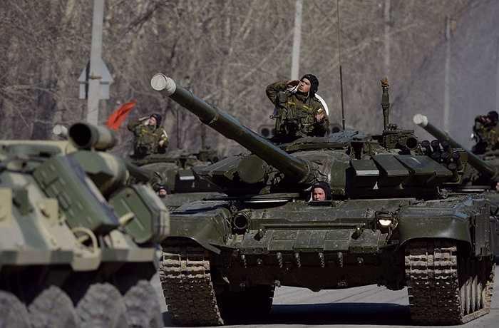 Xe tăng T-90A trong buổi tập