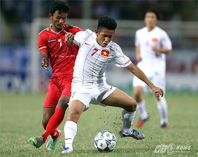 Hậu vệ cánh trái Hồng Duy: Cầu thủ sở hữu những cú sút xa uy lực này đã gặp chấn thương khi lên tập trung U23 và không có cơ hội ở lại đội tuyển.