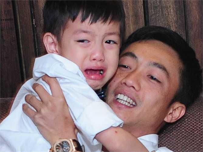 Subeo được xem như 'bản sao' hoàn hảo của bố Cường Đô la về ngoại hình. Hiện tại, cậu bé xuất hiện bên mẹ nhiều hơn trong các sự kiện showbiz.