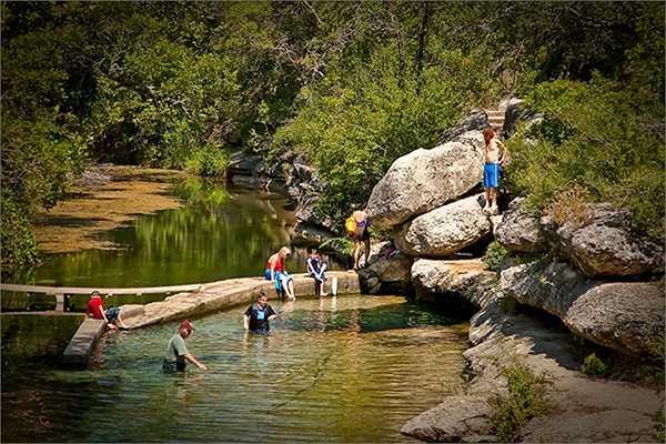 Giếng Jacob hình thành tự nhiên và là một điểm du lịch nổi tiếng của Mỹ