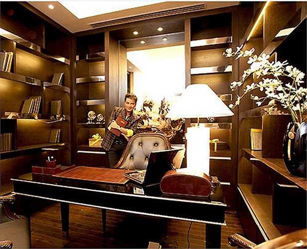 Phòng đọc sách với phong cách quý tộc