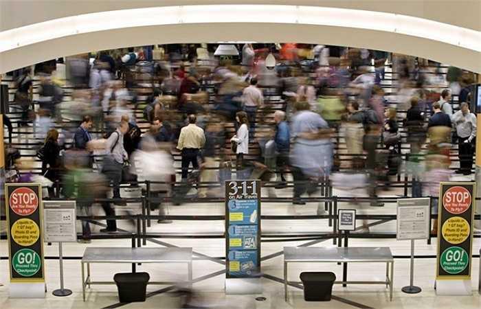 1. Sân bay quốc tế Hartsfield-Jackson Atlanta, Mỹ    Theo báo cáo sơ bộ của Hội đồng sân bay quốc tế, năm 2014, Hartsfield-Jackson Atlanta đón hơn 96 triệu lượt hành khách. Ảnh: Wabee.