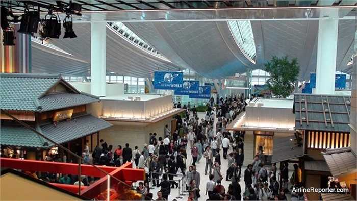 4. Sân bay Haneda, Tokyo, Nhật Bản    Ở vị trí thứ tư, sân bay Haneda đón gần 73 triệu lượt khách trong năm vừa qua. Ảnh: Airlinereporter.