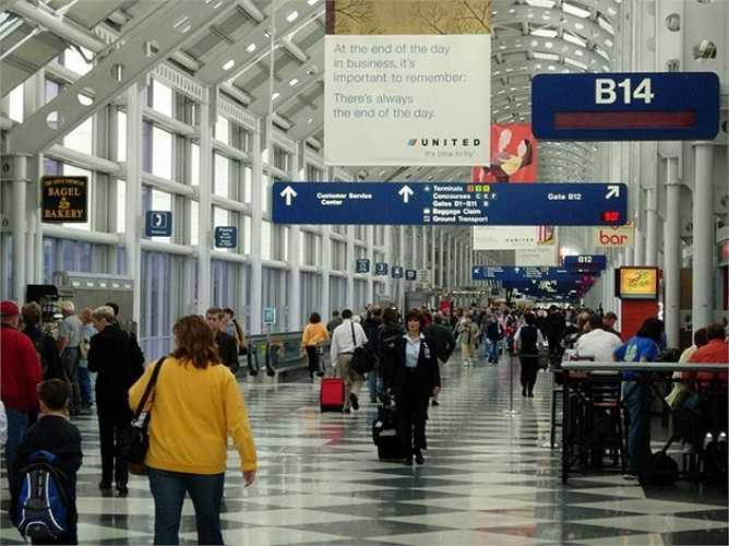 7. Sân bay quốc tế O'hare Chicago, Mỹ    Đón gần 70 triệu lượt khách trong năm qua, sân bay này giữ vị trí thứ bảy trong danh sách. Tuy nhiên, O'hare Chicago có lưu lượng chuyến bay lớn nhất thế giới. Ảnh: Wikipedia.