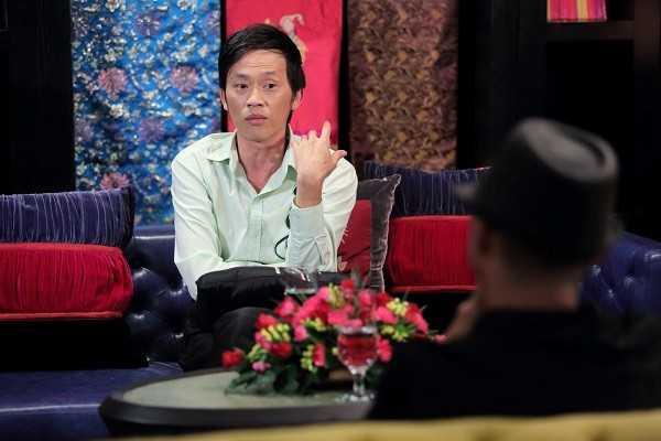 Hoài Linh chia sẻ rất nhiều điều thú vị trong Lần đầu tôi kể.