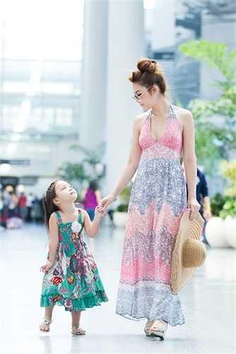 Sắp tới Jennifer Chung tiếp tục những dự án hoạt động từ thiện, vào tháng 06/2015 cô sẽ trở về Việt Nam để làm đại diện hình ảnh cho một thương hiệu mỹ phẩm.