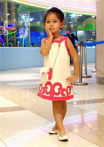Jennifer Chung đã tự chụp 1 bộ ảnh dành riêng cho em gái út của mình trong ngày sinh nhật