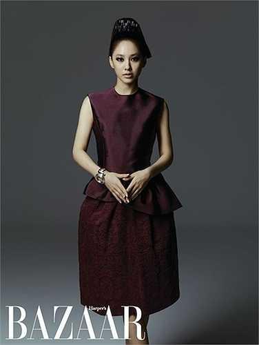 Oh Yeon Soo, 44 tuổi, vẫn chưa mất đi sức hút. Cô là một diễn viên nổi tiếng trong ngành công nghiệp điện ảnh Hàn Quốc.  (Nguồn: 24h)