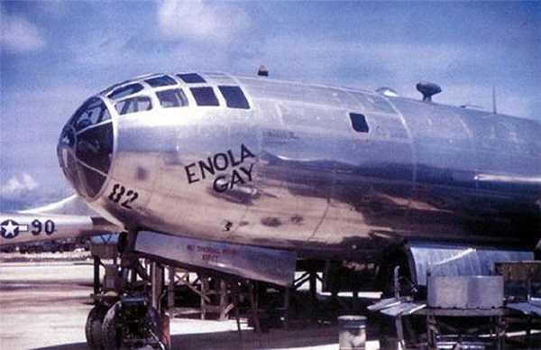 'Enola Gay' - chiếc máy bay đã thả quả bom hạt nhân xuống thành phố Hiroshima của Nhật Bản, năm 1945.