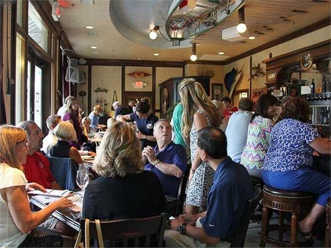 Nhà hàng này có tên là Puckett's Boat House nằm ở hạt Puckett (Tennese, Mỹ)