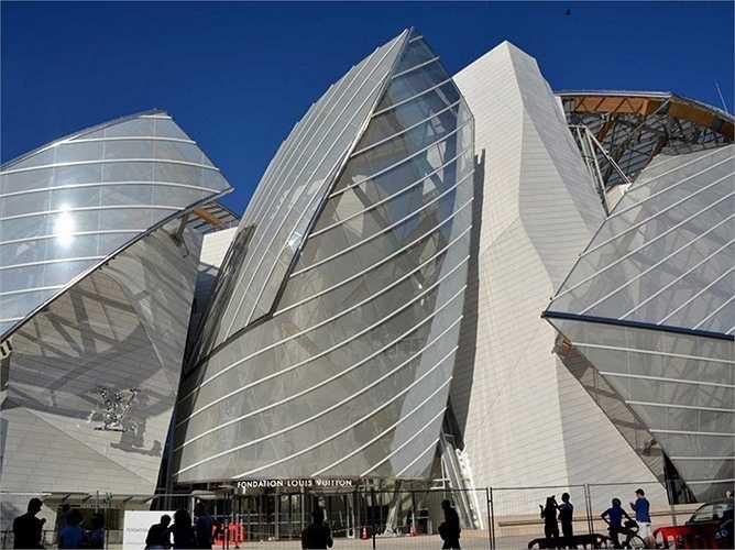 Căn nhà hình con tàu của Louis Vuitton